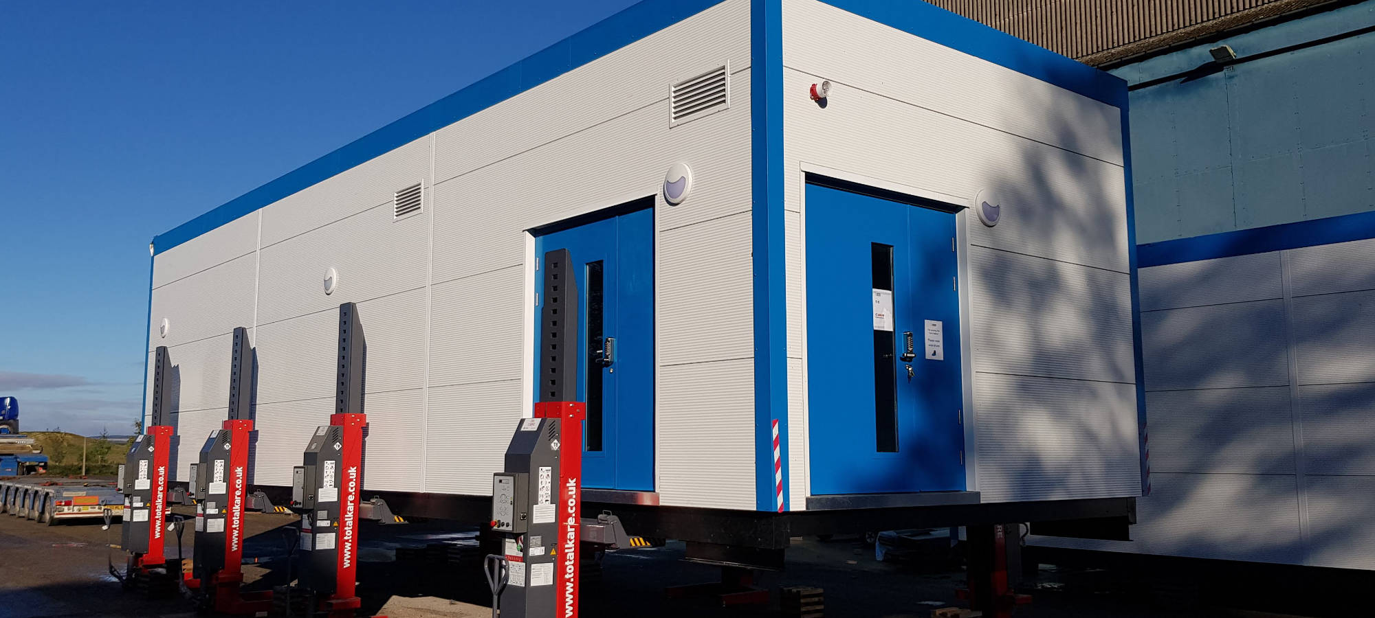 CT scanner control room arriving on site